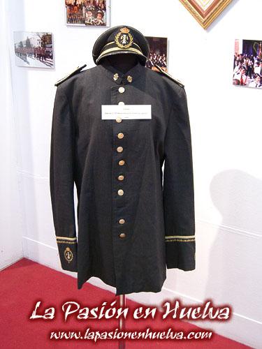 Exposici n cofrade en la casa col n 2011 sala 2 - La casa de los uniformes sevilla ...